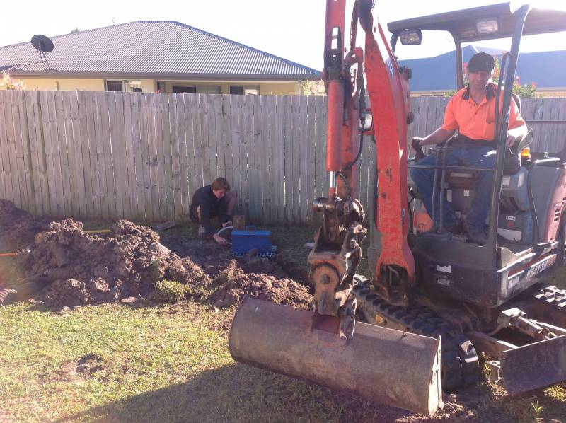 Pumped storm water drainage system